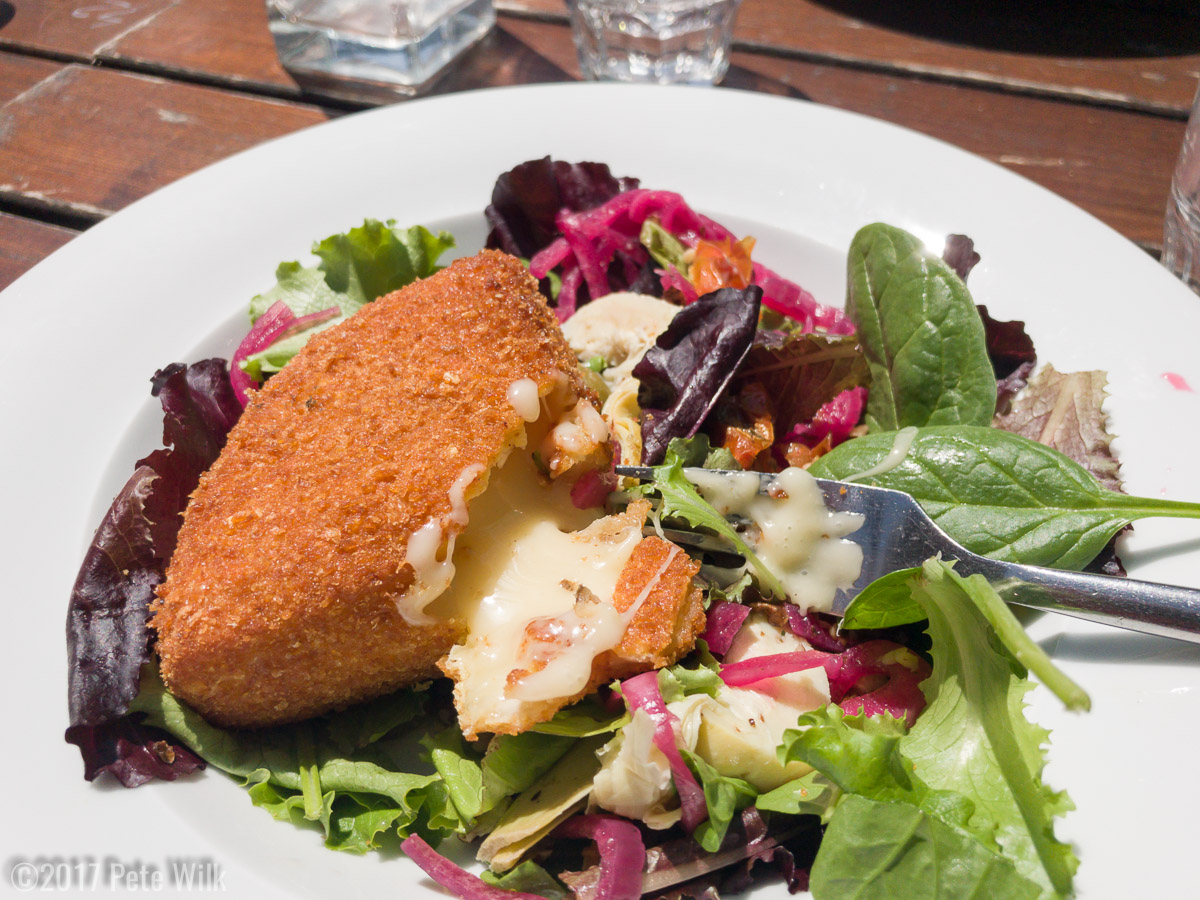 Frenchies like their cheese, even deep fried.  But there's some green things so its healthy.