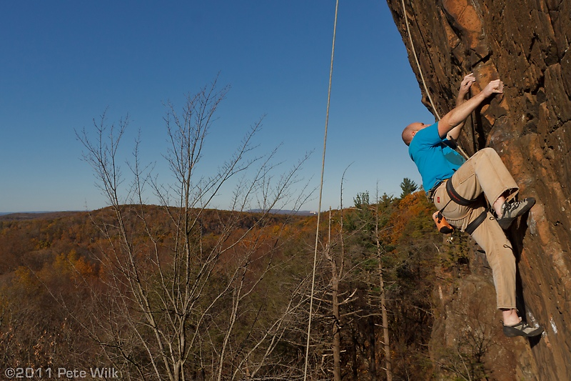 Jason on the overhung portion of Duck Soup (5.11).
