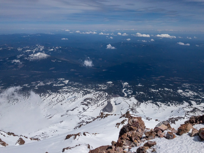 """I didn\'t take a panoramic from the top, but the general scale of the other \""""mountains\"""" around is pretty well shown here.  Shasta is considerably higher than anything even close to it."""