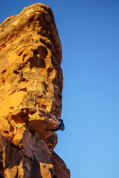 Jeremy pulling through the roof on Side Effects (5.10d).