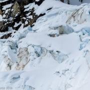 Broken glacier in 747 Pass.